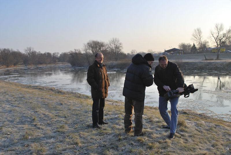 Deň nakrúcania filmu v angerne na rieke morava a návšteva starostu